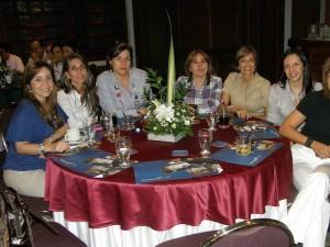 Sara Vera, Lucía Cadena, Margarita Bonilla, Claudia Vásquez, Miriam Castellanos, Sara Morales y Ángela Gómez.