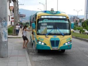 Hasta aquí deben llegar para tomar el bus.
