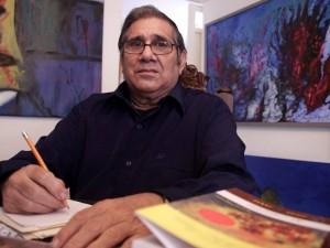 Rodeado de libros y de un gran amor por la poesía. Así creció Patricio La Rotta.