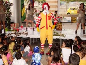 Ronald McDonald visitió La Florida.