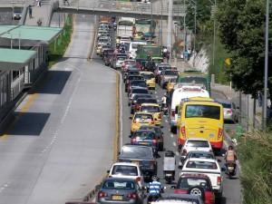 Así fue el trancón que se formó por la autopista el pasado martes. La congestión también se ha formado estos días.