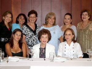 Nora Castellanos, Inés de Freire, Marlene Barón, Laura Ulloa, Johana Figueroa, Fanny de Ángel,  Cecilia de Carlier, Sandra Anaya y Celina de Castellanos.