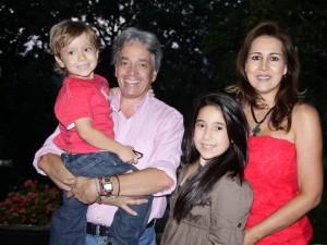 Jorge Julián Solano, Jorge Armando Solano, Ana María Solano y Lorena Patiño de Solano.