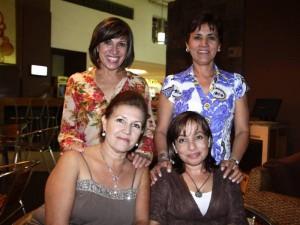 Gladys de Guevara, Stella de Peñuela, Pilar de Latorre y Luz Estela de Amado.