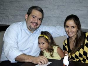 Julián Jiménez, María Fernanda Jiménez y Silvia Fernanda Ordóñez.