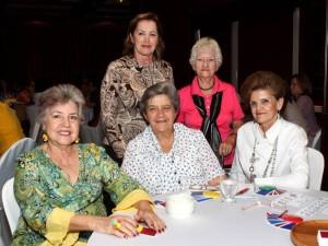 Mercedes de Hazbón, Elsa de Reyes, Nora de Tassinari, Blanquita de Pinilla y Anita de Fernández.