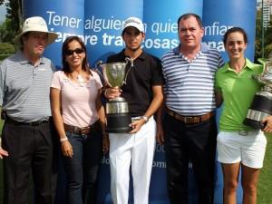 En la premiación de los campeones Felipe Harcker, Luz Alejandra Marín, Santiago Gómez, Libardo Serrano e Isabella Loza.