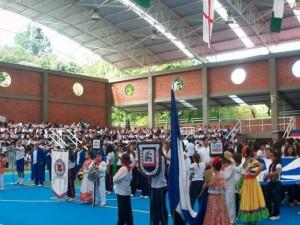 El primer partido de voleibol fue entre Fundación Colegio UIS y San Pedro, categoría masculina.