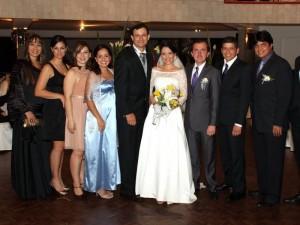 Zaira León, Egleth Niño, Claudia Sánchez, Carolina Valencia, Edwin Niño, Sally Paredes, Eduardo Navarrete, Tito Duarte y Alexis Mora.