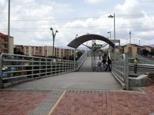 Un presunto acosador estaría actuando en el puente peatonal de Cañaveral Panamericano.