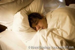 Las alteraciones de sueño pueden dificultar los tratamientos y el control de enfermedades como la hipertensión o la migraña.