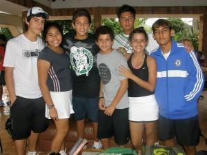 Camilo Delgado, Mariana Guimaraes, Jair Jaimes, Juan Diego Ruiz, Samir Rangel, Mariana Álvarez y Brad Prada.