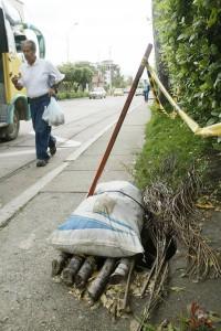 La comunidad denuncia esta alcantarilla sin tapa de la calle 32 en Cañaveral