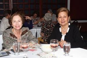 Mélida Ocampo de Manrique e Ino de Arenas.