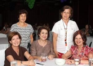 Ángela de Forero, Nelly de Mejía, Mercedes Ortiz de Galvis, Carmen de Porras y Marleny Gómez de Suárez.