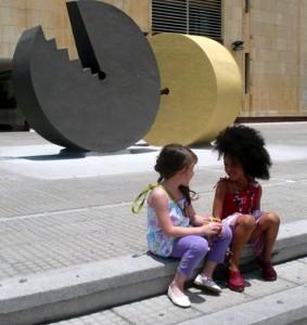 La convocatoria está abierta para los niños que quieran desfilar en EIMI.