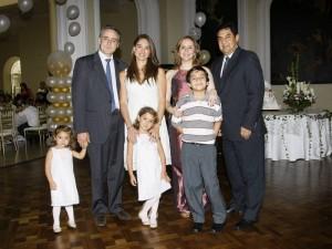 Carlos Gustavo Mora, Luciana Uribe Rey, Andrés Uribe, Claudia Rey, Isabela Uribe Rey, Martha Juliana Cote Peña y Carlos Leonel Mora Estupiñán.