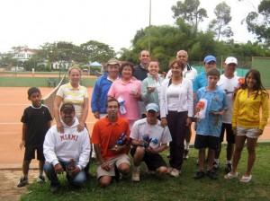 Tenistas de diferentes clubes se dieron cita en Acuarela.