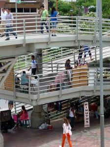 La situación del puente peatonal de Cañaveral es una de las que más preocupa a la comunidad.