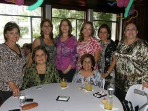Rosita Moncada de Serpa, Clarita de Cifuentes, Gloria de Galvis, Lucía Patiño, Nidia García, Rosalba de Moncada, María de Uribe y Yolanda Hasbón.
