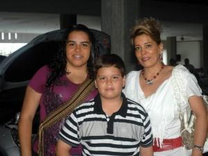Carolina Solano, César Andrés Solano y  Catalina Valencia.