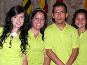 Ximena Bohada, Rebeca Monsalve, Héctor Gómez (docente) y Marcela Silva.