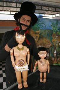 Estos títeres de mesa quieren darle vida a Bachué y su mitología.