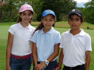 Valentina Díaz, Camila Reyes y Habib Barbour.