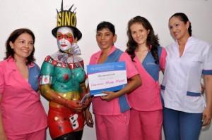 Casino obtuvo el primer puesto. Reconocimiento para Martha Vargas, Claudia Ávila y Carolina Ardila de parte de Rochy Castrillón. (FOTO Suministrada)