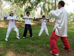Las jornadas de yoga se realizan en el parque San Pío y de Los Niños. (FOTO Archivo)
