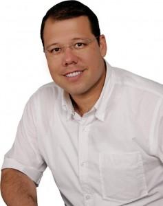 Carlos Roberto Ávila sería en candidato a la Alcaldía de Floridablanca por el partido Liberal.