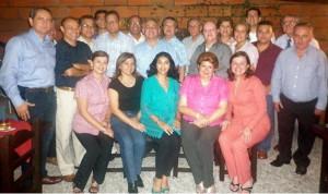 Miembros de la facultad de Contaduría Pública de la Universidad Santo Tomás lo celebraron con una reunión. (FOTO Suministrada)