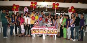 Manuela celebró su primer año en compañía de familiares y amigos. (FOTO Mauricio Betancourt)