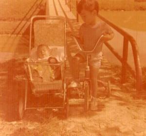 Otro ex residente, Andrés Gómez, hizo su aporte a lo que era el lago y el puente que lo cruzaba.
