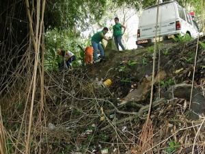 Fueron casi dos cuadras que se trabajó por la limpieza de la quebrada y de su rivera.