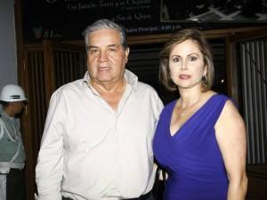 Jorge Azuero y Sheyla Assaf de Azuero.
