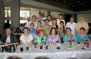 La familia Sánchez fue una de las que disfrutó esta celebración en el Club Campestre.