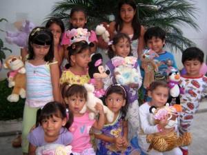 Silvia Juliana, Nicolás, Sebastián, Valeria, María Camila, Gabriela, Isabela, Laura Valeria, Mariana, Angélica, Sofía y Angélica. (FOTO Suministrada)