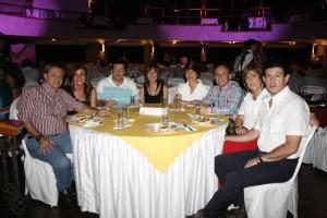 Sergio Prada, Adriana Rey, Álvaro Prada, Claudia Campos, Diana Durán, César Torres, Amparo Arenas y Walter Jaramillo.