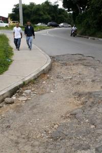 El arreglo de la malla vial de Cañaveral y de la zona de Molinos es la principal preocupación, pues esto genera caos vehicular.