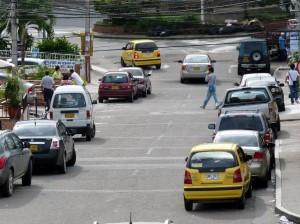 Esta es una situación que se puede ver en cualquier calle de Bucaramanga así como en las de Cañaveral. (FOTO Nelson Díaz)
