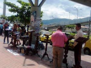 Crece invasión del espacio público en Cañaveral. (FOTO Suministrada)