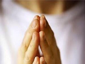 Su objetivo es entregar a los fieles un método práctico para aprender a orar de una manera ordenada, variada y progresiva. (FOTO Archivo)