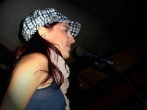 Alicia Borja es una voz y teclados.