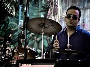 Danilo Gutiérrez es el baterista.