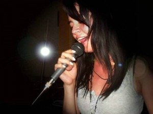 Diana Medina es voz.