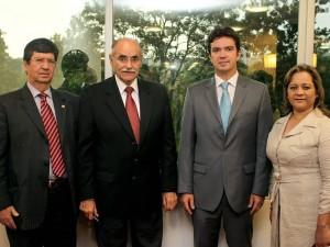 Cristian Rodríguez Esparza, Horacio Serpa Uribe, gobernador de Santander; Juan Camilo Beltrán y Marta Lucero Peña.