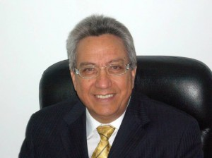 Rigoberto Puentes, ingeniero especialista en Ciencias Económicas y en Planificación Financiera Personal.