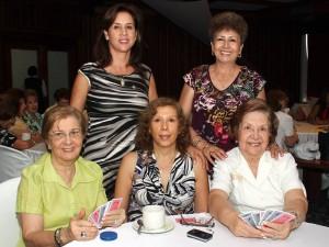 Irma Arciniegas, Dora Córdoba, Teresita Casellas, Mary Pardo y Mercedes Coy. (FOTOS Nelson Díaz)