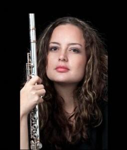 Elizabeth Osorio es la flauta en el dueto de Colombia.